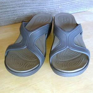 Crocs taupe wedge sandal